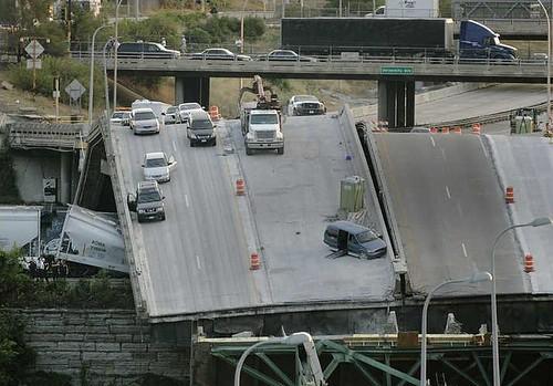 My parents car on the 35W bridge (view 2)