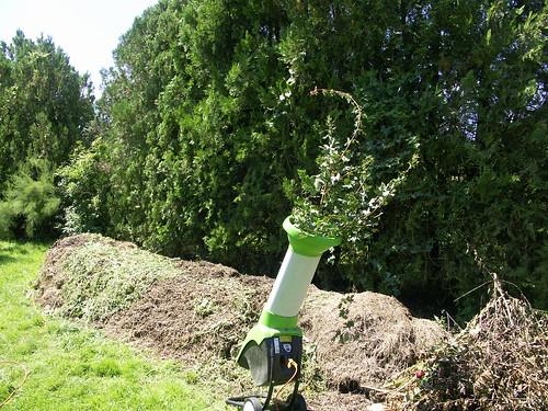 Quel broyeur choisir pour fabriquer le brf au jardin for Broyeur pour jardin