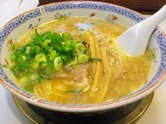curry(0.0), oyakodon(0.0), udon(0.0), noodle(1.0), noodle soup(1.0), soto ayam(1.0), kalguksu(1.0), food(1.0), dish(1.0), laksa(1.0), soup(1.0), cuisine(1.0),