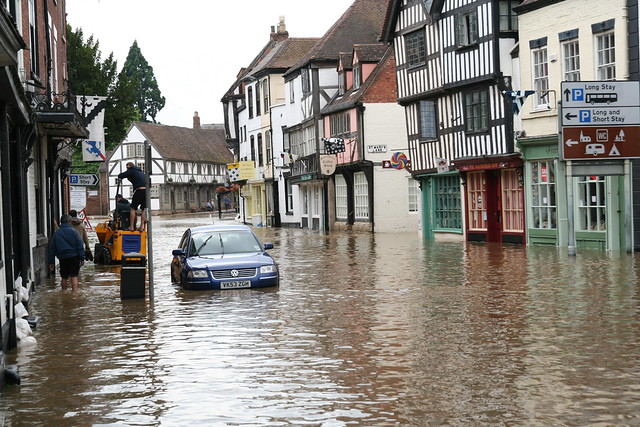 tewkesbury floods Tewkesbury floods in july 2007 tewkesbury came to both national and international prominence, appearing on the front page of numerous national newspapers, when it suffered from some of the worst flooding in recorded british history.