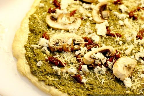 pesto pizza   before baking    MG 9677