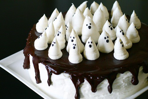 boo tiful ghost cake everyday annie. Black Bedroom Furniture Sets. Home Design Ideas