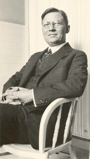 A photo of Dr. Albion Walter Hewlett (1874-1925)