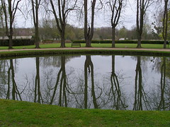 Royaumont pond by Julie70