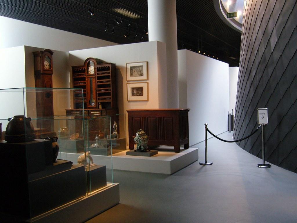 Exhibition Paris & Plan Cul Voyeur