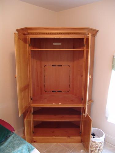Corner Stand 1 – Interior