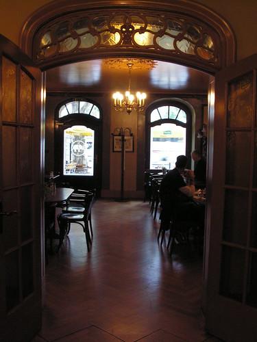 Art nouveau interior a photo on flickriver for Art nouveau interieur