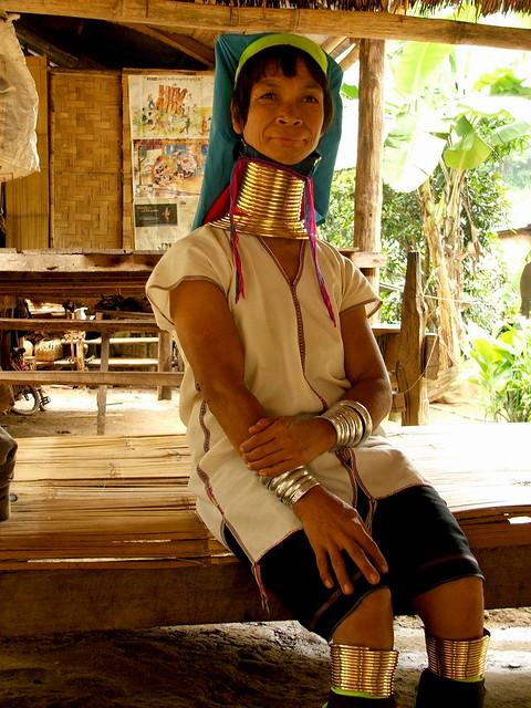 tradiciones del mundo. Mujeres Padaung
