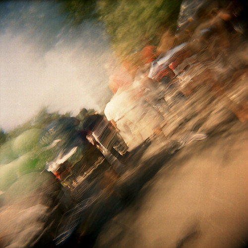 bulb holga shootfromthehip streetfestival kodakportra800 colorfilm tccomp265