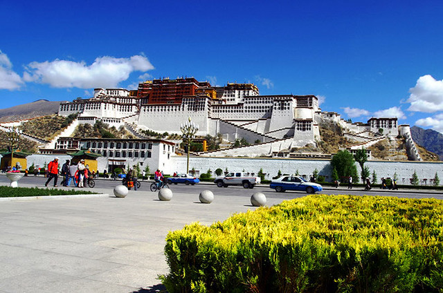 Potala Palace by CC user bengchye_loo on Flickr