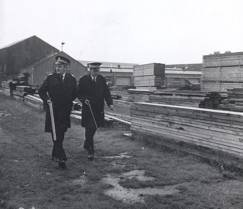 Rabid cat shoot Leith Docks 1976b