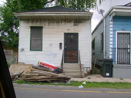 2359 N Robertson Street