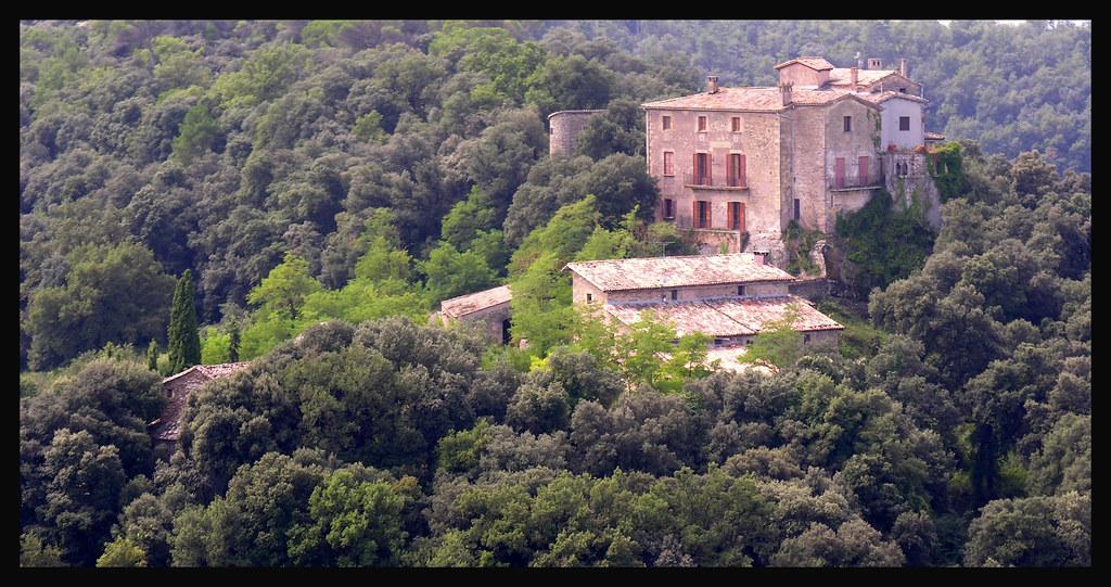 Resultat d'imatges de castell de savassona