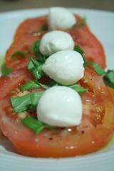 hors d'oeuvre(0.0), breakfast(0.0), bruschetta(0.0), produce(0.0), smoked salmon(0.0), meal(1.0), salad(1.0), vegetable(1.0), tomato(1.0), caprese salad(1.0), mozzarella(1.0), food(1.0), dish(1.0), cuisine(1.0),