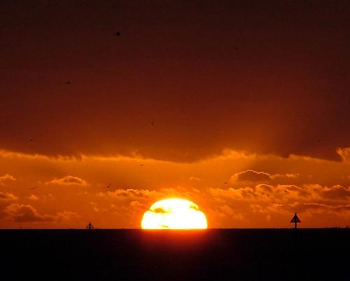 sunset red england sky orange clouds essex clacton explore500 impressedbeauty
