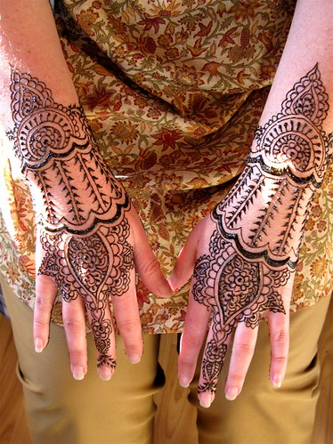 henna hands pictures images pics henna pictures hands henna hands pictures images pics. Black Bedroom Furniture Sets. Home Design Ideas