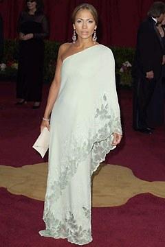 j_lo_academy_awards_2003_valentino_