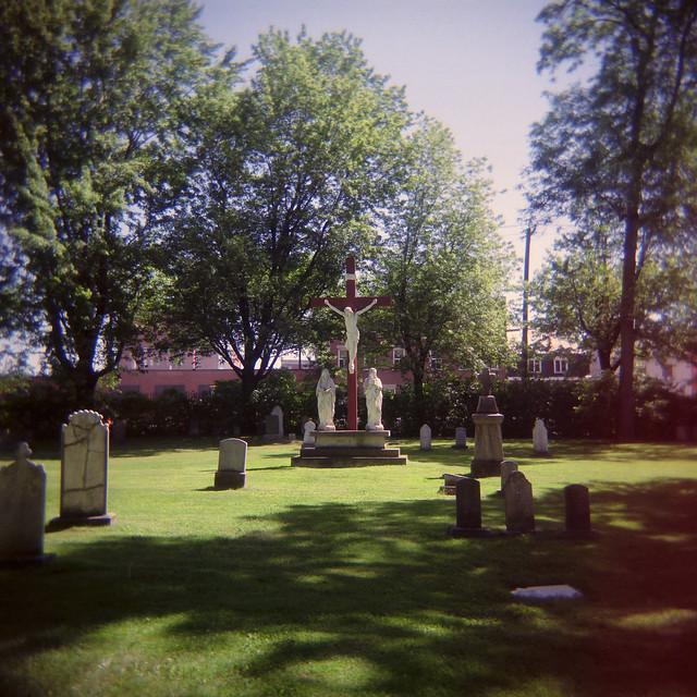 Holga au cimetière