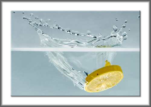 pakistan stilllife water yellow fruit lemon bubbles fullhouse splash ahmed watertank sind sindh highspeed muhammad cotcmostfavorited supershot rmw fruitsplash mehrabpur flickrpoker abigfave anawesomeshot superhearts