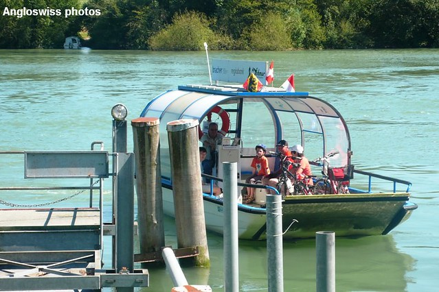 Ferry over the Aare