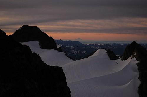 dawn washington mountaineering mtadams olympicnationalpark mtsthelens mountolympus mountadams mtolympus mountsainthelens summitforsomeone gotrekexpeditions