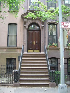 Image of Carrie Bradshaw House. 2005 city nyc summer house ny newyork manhattan steps sexandthecity carriebradshaw perrystreet 66perrystreet