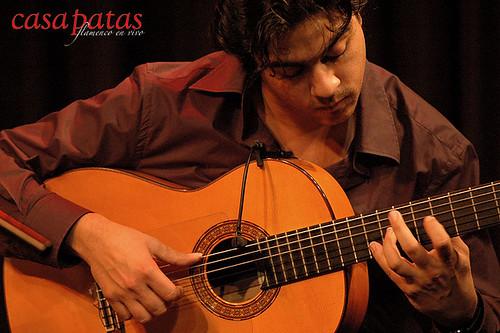 A la guitarra, Juan Jiménez. Foto: Martín Guerrero