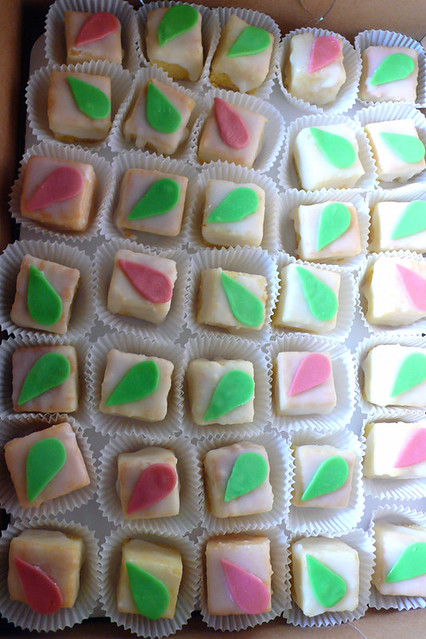 Make Petit Fours With Cake Mix