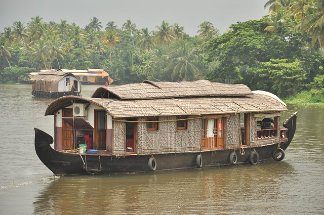 House boating in Kerala by CC user prince_tigereye on Flickr
