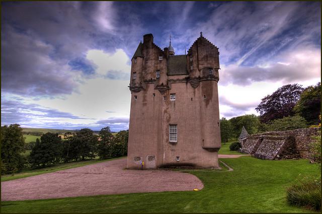 Craigievar Castle - Flickr CC spottiewattie17
