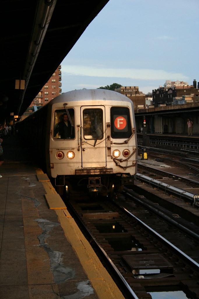 New York - F Train