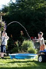 ian and nick around the kiddie pool    MG 8793