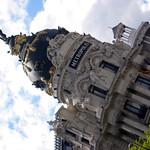 Image of Edificio Metrópolis. madrid street sculpture geotagged spain metropolis espagne spanien spagna granvía spanelsko