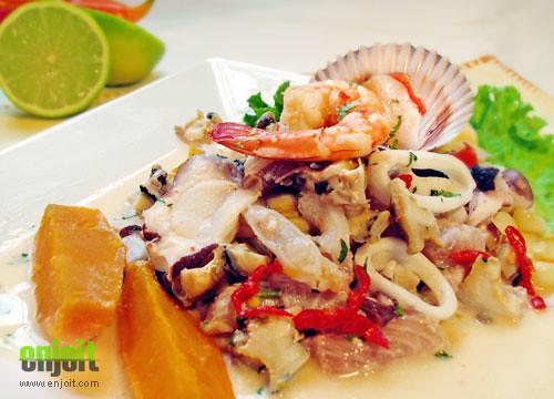 Peruvian food: Ceviche mixto | Flickr - Photo Sharing!