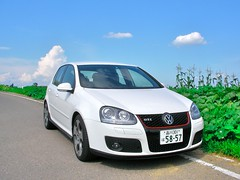 automobile, automotive exterior, wheel, volkswagen, vehicle, volkswagen gti, volkswagen golf mk5, city car, compact car, bumper, land vehicle, hatchback, volkswagen golf,