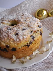 Chocolate, pistachio and cranberry panettone / Panetone com chocolate, cranberry e pistache