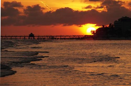 blue sunset red orange sun water clouds waves rays portfolio ftmyers photooftheday orona 10faves challengeyouwinner aplusphoto 19june2007 ropall