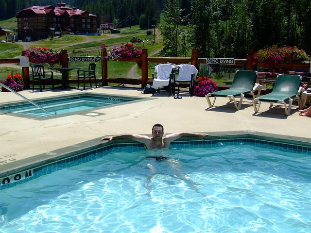 zwembad van de lodge
