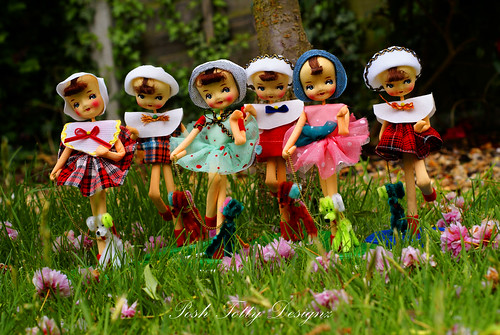 Sarco Sisters In The Garden by Posh Totty Designz