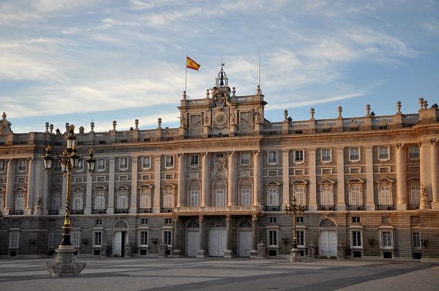 http://hojeconhecemos.blogspot.com.es/2010/10/do-palacio-real-madrid-espanha.html