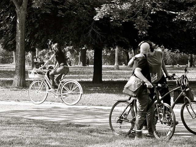 the bicycle kiss... instead of G20 protests