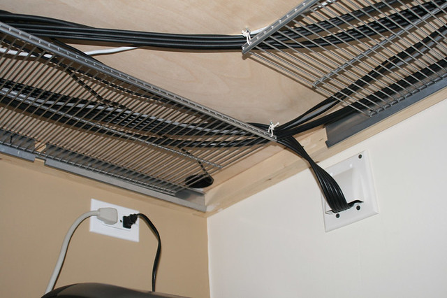 Cable management flickr photo sharing - Boite pour cacher les cables ...
