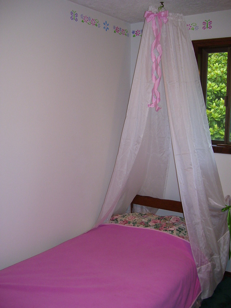 CANOPY BEDS WITH CURTAINS CANOPY BEDS Canopy Beds With