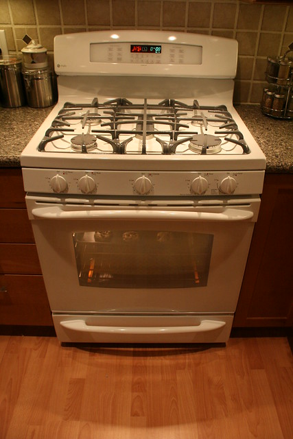 Maytag Natural Gas Double Oven Range