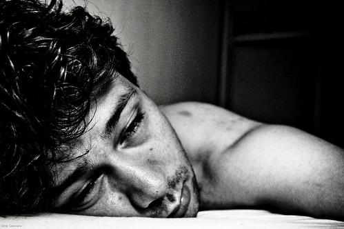 失眠帶給的痛苦,不只夜晚輾轉難眠、隔天精神無法集中,長期的失眠所帶來的惡性循環更會觸發精神疾病。(攝者:Arne Coomans)