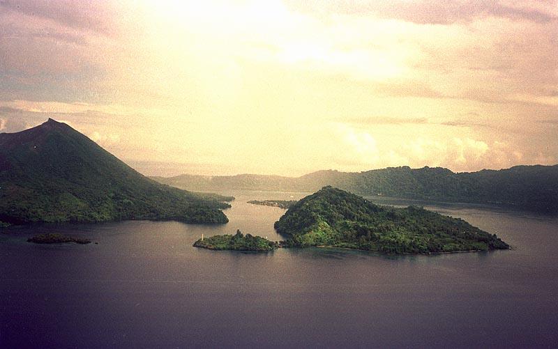 Banda islands:Gunung Api, Naira, Banda Besar