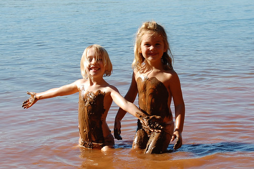 LK and Syd got really muddy