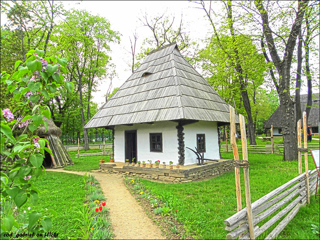 Peasant house in the romanian village museum in bucharest flickr photo sharing - Romanian peasant houses ...