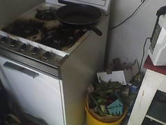 gas stove, kitchen stove, major appliance,