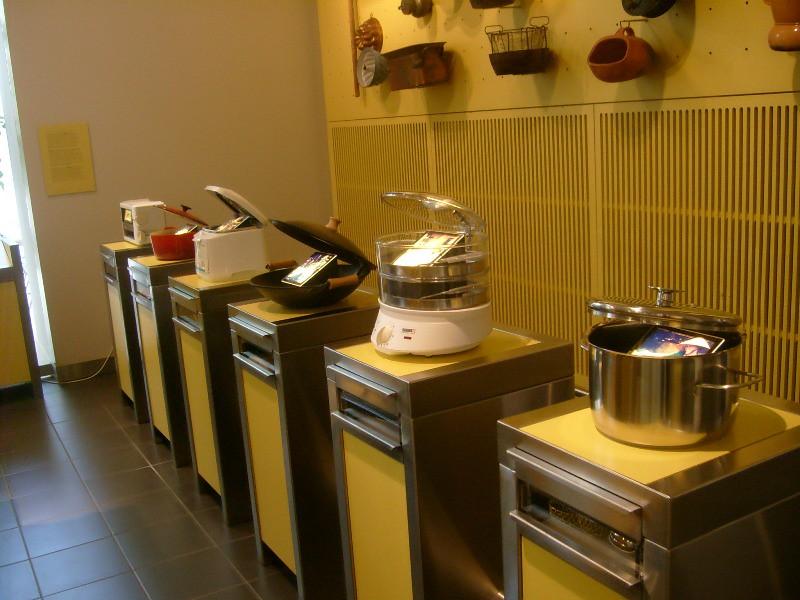 Mobiliario y equipo de cocina wikipedia for Equipos de cocina